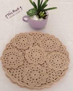 Lindos sousplat em crochê com linha duna, um charme para sua mesa #sousplat #sousplatdecroche #sousplatdecor