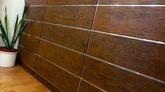 Fasádní obklady: správná, estetická i praktická volba - Útulný Dům Tile Floor, Flooring, Texture, Surface Finish, Tile Flooring, Hardwood Floor, Floor, Paving Stones
