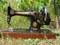 Singer 28K handcrank from 1937 in its natural habitat