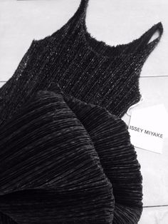 Issey Miyake Pleats Please black dress. Vintage authentic ISSEY MIYAKE black sleeveless long stylish dress fringe pleated polyester size 2