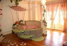 Wie stellen Sie sich ein Zimmer für ein junges Mädchen vor?Festlich,voll mit Spielsachen,lustigen Bildern und Kleiderbügeln.Traumhaftes Kinderzimmer Design