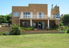 Nell's B&B is situated in in the Cape Overstrand area, also known as the Cape Whale Coast. is known world wide for shark cage diving and boat based whale viewing trips. Kleinbaai is a quiet seaside resort only two hours drive from Cape Town.