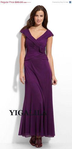 ON SALE Lady dress/bridesmaid dress/wedding dress/V-neck/cap sleeves/Chiffon Prom Dresses/full-length/dark purple on Etsy, £52.20