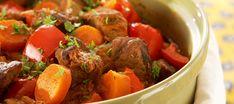 Paprikainen lihapata | Pääruoat | Reseptit – K-Ruoka Pot Roast, Stew, Slow Cooker, Food And Drink, Meat, Cooking, Ethnic Recipes, Koti, Carne Asada
