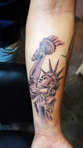 What does statue of liberty tattoo mean? We have statue of liberty tattoo ideas, designs, symbolism and we explain the meaning behind the tattoo. Statue Of Liberty Tattoo, Tattoos, Ideas, Design, Tatuajes, Tattoo, Thoughts, Tattos