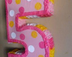 Número Cinco Piñatas
