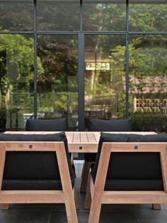 exclusieve Low Dining tuinsets uit de collectie van Royal Design. Bezoek onze showroom en zoek uw perfecte tuinset uit.