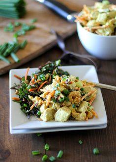 Copycat Trader Joe's Curried White Chicken Deli Salad #healthy #chicken_salad #recipe