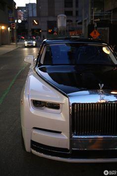 Rolls-Royce Phantom VIII in Toronto (ON), Canada Spotted on by ElevatedRarityToronto Bugatti, Lamborghini Cars, Ferrari F40, Lamborghini Gallardo, Porsche, Audi, Koenigsegg, Voiture Rolls Royce, Rolls Roys