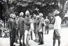A Sikh soldier from the Legion Freies Indien of the Wehrmacht (second from the left) speaks to a group of prisoners-of-war in an attempt to persuade them to ally themselves with Germany.  (Christopher Ailsby Historical Archives). The Free Indian Legion