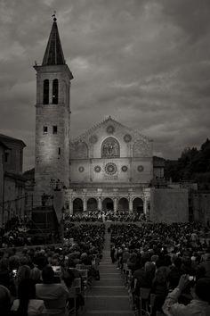 Spoleto Festival dei 2 Mondi. Show and culture in a stunning setting #Italy #Umbria #Spoleto