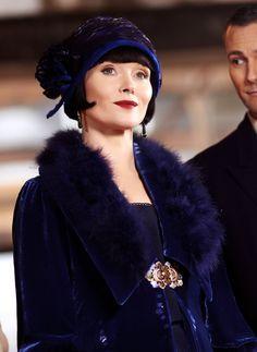 Essie Davis as Phryne Fisher in Miss Fisher's Murder Mysteries (TV Series, 2013).