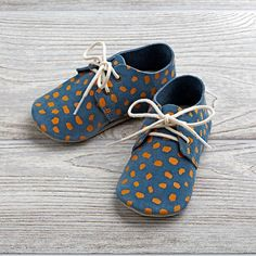Shop Blue Zuzii Baby Shoes (Size Babies aren& always known for their fancy footwork, but these baby shoes can make sure they& at least known for their fancy feet. Little Girl Outfits, Baby Boy Outfits, Kids Outfits, Toddler Shoes, Kid Shoes, Baby Items For Sale, Baby Boy Bedding, Baby Fashionista, Baby Shoe Sizes