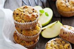 You won't have to worry about eating two or three of these yummy muffins. Low-fat and loaded with raisins, these treats can be enjoyed for breakfast with fruit or as a midday snack. Raisin Muffins, Cinnamon Muffins, Diy Snacks, Yummy Snacks, Whole Food Recipes, Healthy Recipes, Healthy Foods, Breakfast Recipes, Favorite Recipes