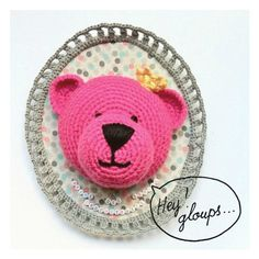 Un ours rose pour Isabelle http://www.ravelry.com/patterns/library/trophee-ours-blanc