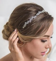 Floral Crystal headband for any bridal hair-do. Delicate and intricate with Cubic Zirconia crystals, this headpiece sparkles at every angle. Updo With Headband, Bride Headband, Crystal Headband, Wedding Headband, Tikka Hairstyle, Vintage Wedding Hair, Floral Headpiece, Floral Headbands, Wedding Hair Pieces