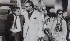 """Ο Γιάννης Πετροπουλάκης υποδέχεται στο αεροδρόμιο τον Φιλίπ Νουαρέ και την Αννί Ζιραρντό για την ταινία """"On a vole la quisse de Jupiter"""""""
