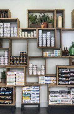 Best 30 Wonderful Retail Display Ideas For Best Inspiration https://freshouz.com/30-wonderful-retail-display-ideas-best-inspiration/ #home #decor #Farmhouse #Rustic