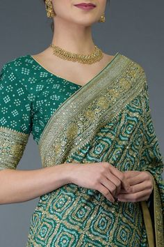 Indian Gowns Dresses, Indian Fashion Dresses, Indian Designer Outfits, Indian Outfits, Designer Dresses, Fancy Blouse Designs, Saree Blouse Designs, Bandhani Dress, Bridal Lehenga Collection