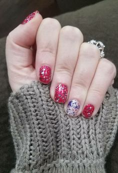 Beautiful Manicures Made Simple with Color Street 100% Real Nail Polish #polishedpinkieshomefront #becolorstreet #becolorful #bebrilliant #manicure #nailpolish