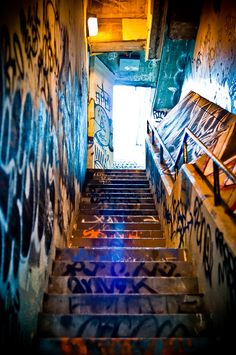 San Francisco: Beautiful Photography by Brandon Doran San Francisco Photography, Stair Art, Cartoon Photo, Catacombs, City Scene, Street Culture, Retro Aesthetic, Graffiti Art, Aesthetic Pictures