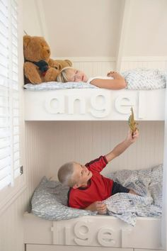"""For your classic """"two-kids-one-bedroom"""" space conundrum, bunk beds can feel like theanswer to life.  #yahoodiy #katiebrown #kids"""