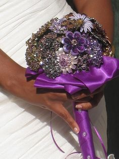 Brooch bouquet. I am on the hun to find brooch bouquets that I can mimmick for my sister's wedding.