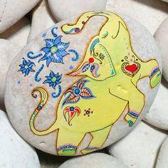 Yellephant! :) #elephant #elephantstone #elephantart #yellowelephant #elephantrocks