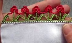 This post was discovered by HU Hobby Tools, Easy Crochet, Red Roses, Crochet Projects, Cross Stitch, Knitting, Model, Pattern, How To Make