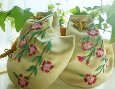 #야생화자수 #꿈소 #꿈을짓는바느질공작소  #자수 #자수타그램 #꽃자수 #강릉주머니 #embroidery #broderie #刺繍 #handmade #вышивка