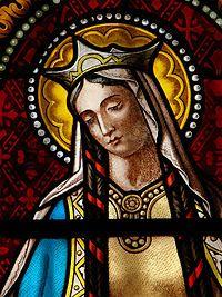 Santa Clotilde (Lyon, c. 475-Tours, 3 de junio de 545) fue una princesa burgundia, esposa de Clodoveo I, rey de los francos. Fue hija de Chilperico II de Burgundia. En 493, su tío Gundebaldo asesinó a Chilperico y ahogó a su madre, Caretena, además de provocar el exilio de su hermana, Crona, que se hizo monja.