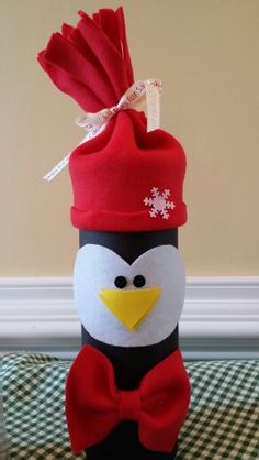 Diy Pringles Can Crafts Christmas Log, Christmas Gifts For Mom, Oatmeal Container Crafts, Grandma Crafts, January Crafts, Pringles Can, Craft Day, Crafts For Girls, Cookies Et Biscuits