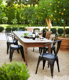 Gravel Patio Inspiration - City Farmhouse Browse these beautiful outdoor patios with pea gravel to inspire your own outdoor oasis Pea Gravel Patio, Backyard Patio, Desert Backyard, Porch Garden, Outdoor Rooms, Outdoor Furniture Sets, Outdoor Decor, Outdoor Patios, Outdoor Tables