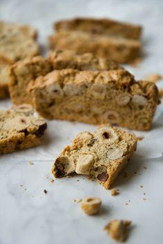 Matcha tea cream and raspberry wrap biscuit - HQ Recipes Biscotti Cookies, Biscotti Recipe, Cake Cookies, Italian Desserts, Italian Recipes, Sweet Cookies, Sweet Treats, Sweet Light, Cookie Tray