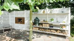 Outdoor Küche mit Kamin