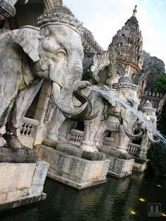 Elephant Statues in Bangkok, Thailand Places Around The World, Oh The Places You'll Go, Places To Travel, Places To Visit, Around The Worlds, Vietnam, Thailand Elephants, Chiang Rai, Voyage Europe