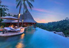 Viceroy Bali Localizado na cidade de Ubdu, na Indonésia, o hotel Viceroy Bali conta com uma arquitetura moderna e luxosa. Em cada quarto há piscinas individuais com vista especial para o Vale dos Reis, uma exuberante cadeia de montanhas -