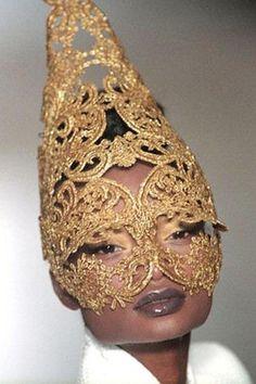 Debra Shaw for GIVENCHY Haute Couture SS the McQueen years. Alexandre Mcqueen, Or Noir, Masquerade Ball, Headgear, Headdress, Fascinator, Fancy, Fashion Design, Beauty