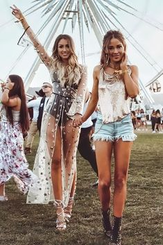 Best Coachella Outfit Ideas You Need To Try This Year Cochella Outfits, Best Coachella Outfits, Coachella Looks, Rave Outfits, Coachella Outfit Boho, Glastonbury Outfits, Coachella Accessories, Edgy Outfits, Fashion Accessories