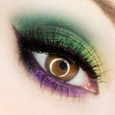 Makeup Ideas 2018 - Mardi Gras eye make up for Hazel Eyes - Poison Berry. Makeup Geek, Makeup Tips, Eye Makeup, Hair Makeup, Makeup Ideas, Berry Makeup, Green Makeup, Purple Makeup, Flawless Makeup