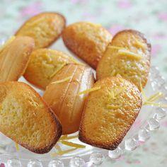 Découvrez la recette Madeleines au citron sur cuisineactuelle.fr.