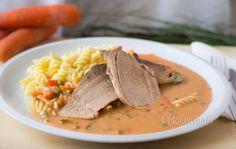 S bratislavským plieckom ste sa možno stretli v závodnej jedálni, no možno nechutilo. Lebo rozvarená zelenina v zrazenej smotanovej omáčke, podávaná s polepenými kolienkami nie je nič moc. Thai Red Curry, Catering, Food And Drink, Ale, Treats, Fruit, Dinner, Cooking, Ethnic Recipes