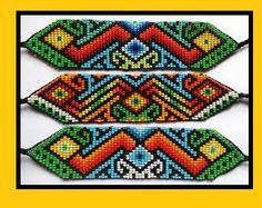 COMO HACER UNA PULSERA EN MOSTACILLA Beaded Rings, Beaded Jewelry, Beaded Bracelets, Beaded Bracelet Patterns, Peyote Patterns, Bead Loom Designs, Pixel Design, Native American Beadwork, Peyote Beading