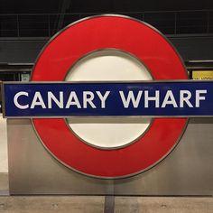 Canary Wharf London #travelblog #london #canarywharf #docklands #wanderlust #discover #explore #travelblogger #citytrip #reiseblog #reisebericht #instagram #instablog #instatravel #instamood #vacation #voyages #otpusk #ontour #metro #supway #train #trainstation by dontkill_yourdreams