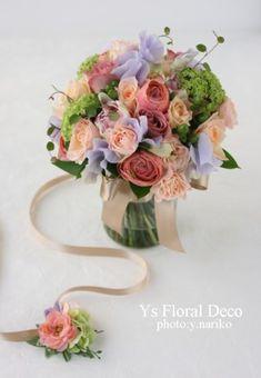 本日ルシェルブラン表参道さんにて挙式ご披露宴の新婦さんのため、お作りさせていただいたお色直し用のお花です。生花でお作りしましたクラッチブーケと、アーティフ...