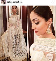 Designer Saree😍 📱Book Your Order Now 📞 Wedding Saree Blouse, Wedding Sari, Lehnga Blouse, Pakistani Outfits, Indian Outfits, Indian Clothes, Banarsi Saree, Indian Fashion Trends, Bollywood Dress