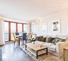 Mieszkanie w Śródmieściu - Średni salon z jadalnią z tarasem / balkonem, styl eklektyczny - zdjęcie od KRAMKOWSKA | PRACOWNIA WNĘTRZ