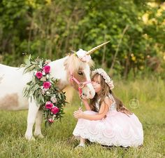 Gold unicorn horn with blush flowers for unicorn session photography by birdie baby boutique