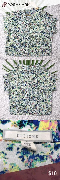 Pleione Anthropology Ladies Blouse Size XS Very Good Condition Lush Anthropology Blouse From Nordstrom XS made in U.S.A 100% Polyester Anthropologie Tops Blouses