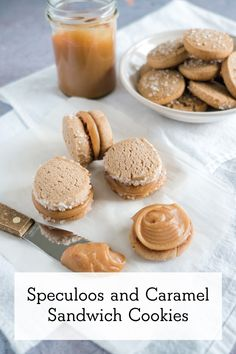 Speculoos cookies with caramel filling by Perfect for a chilly winter day! Speculoos Cookies, Caramel Cookies, Winter Treats, Sandwich Cookies, Strawberry Recipes, Holiday Cookies, Holiday Baking, Macaroons, Healthy Baking